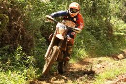 Emerson Loth encara neste final de semana as pesadas trilhas do Enduro dos Ipês, um desafio aos pneus